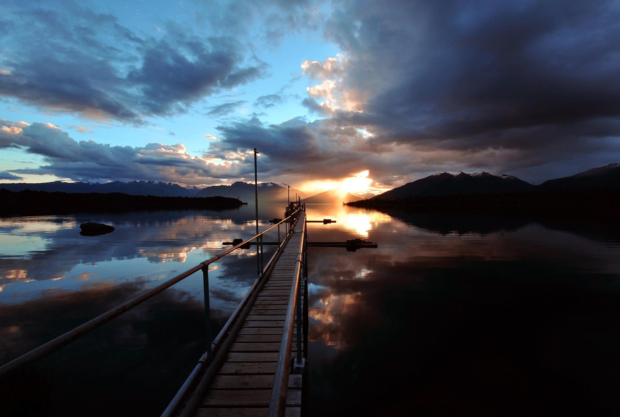 Lake te anau at sunset