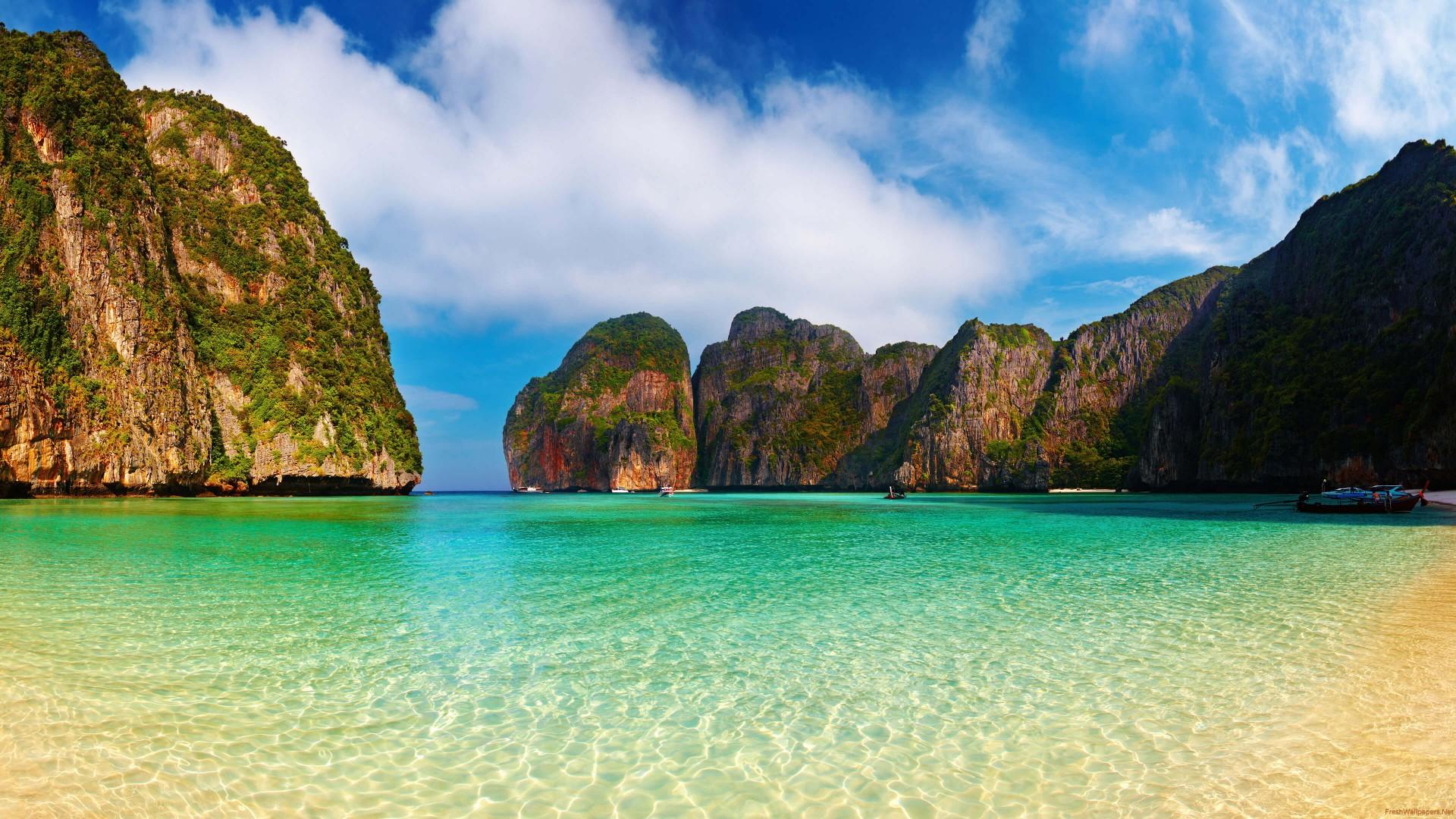 maya-bay-beach-ko-phi-phi-lee-thailand