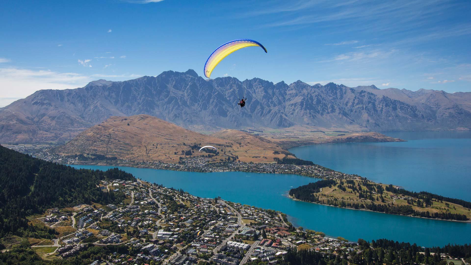 queenstown-paragliding1