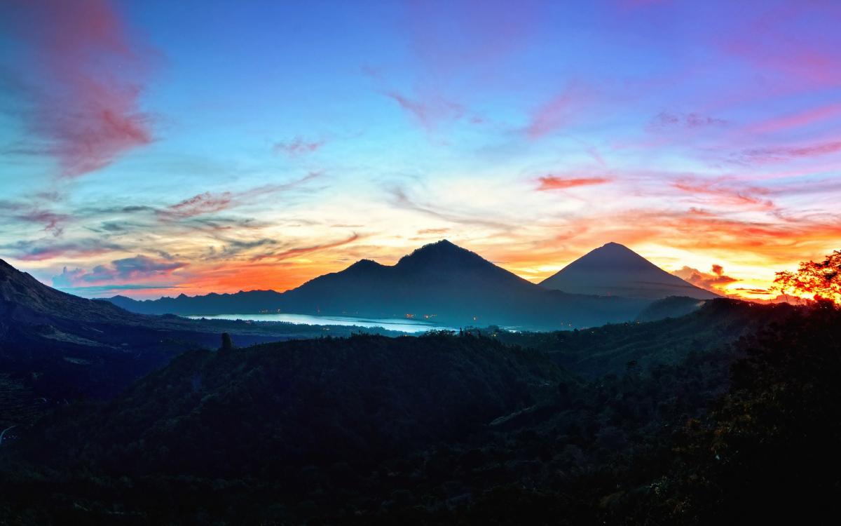 mountbatur-mountagung-sunrise