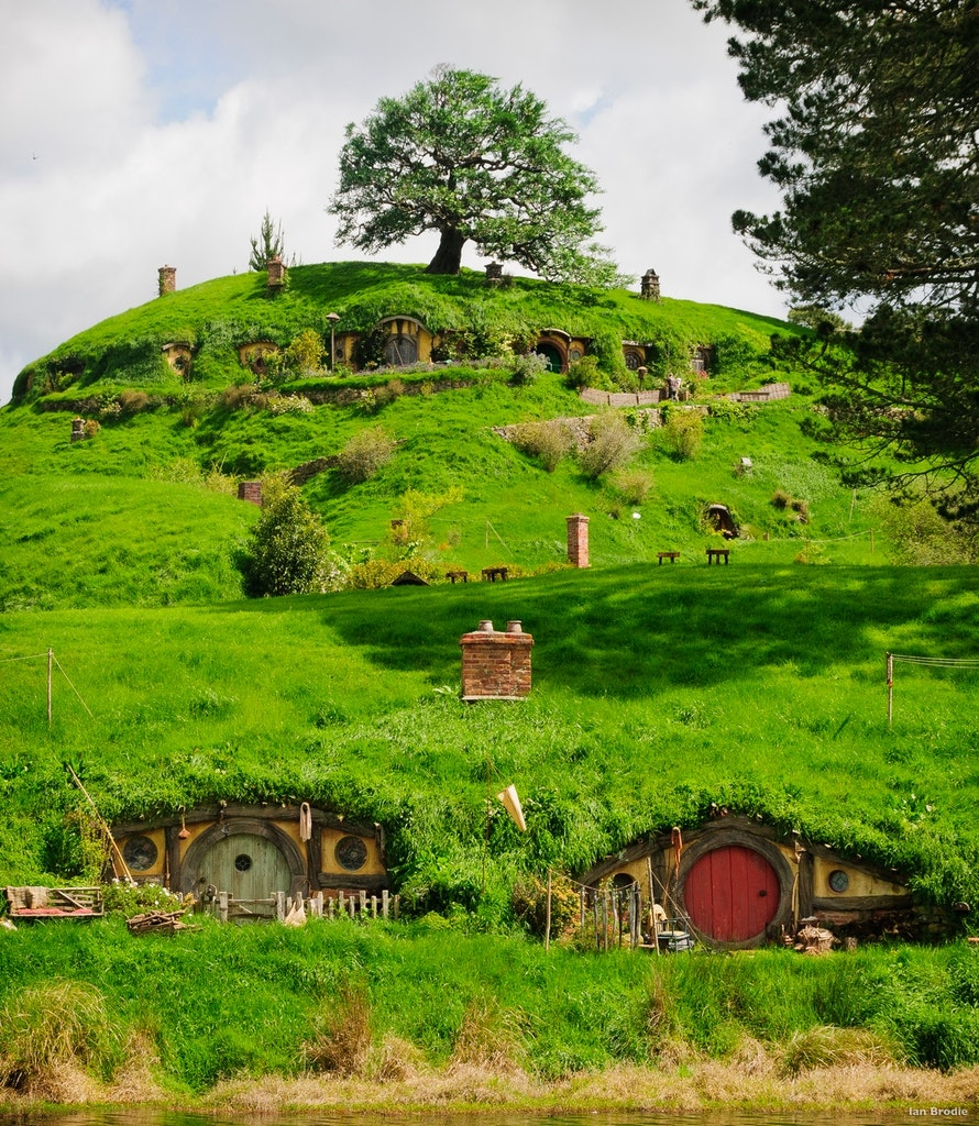 Hobbiton, New Zealand, Skydiving, skydiving in New Zealand