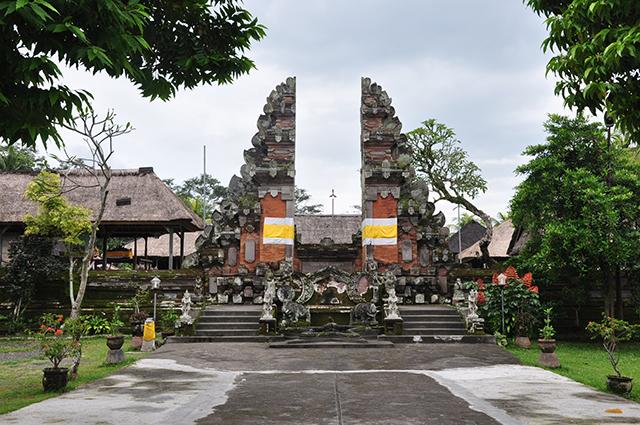 Pura Penataran Sasih - An ancient Bali Tourist Attraction