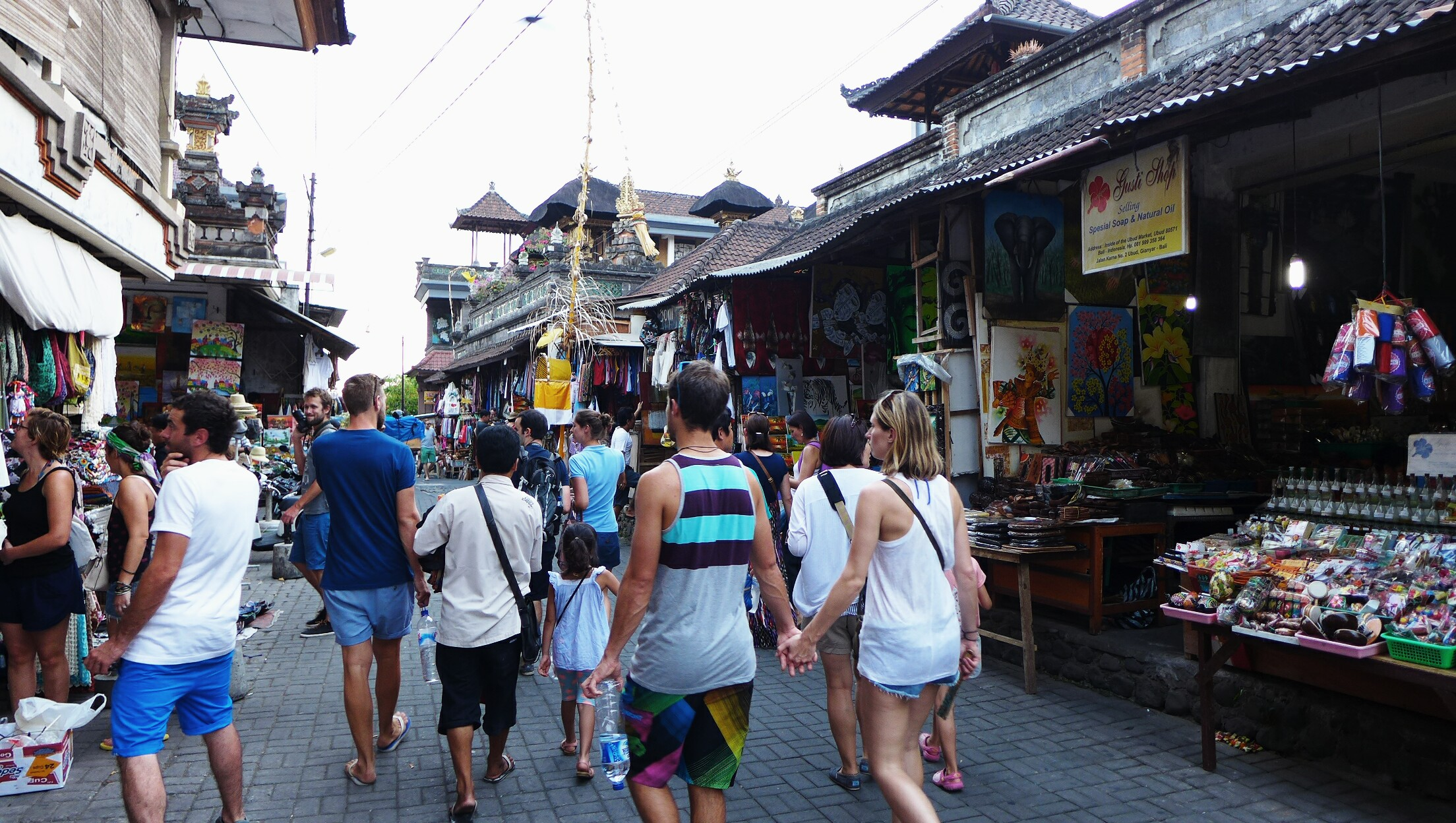 Shopping, Reasons Why Bali is the Perfect Honeymoon Destination