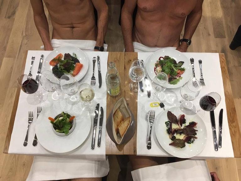 nudist restaurant