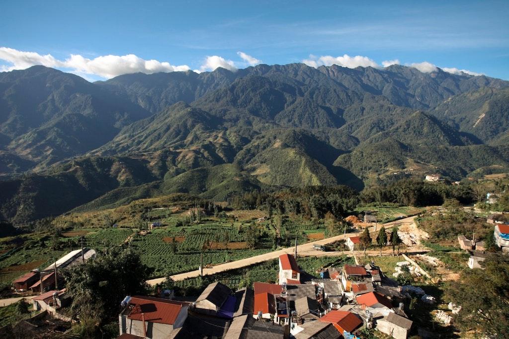 first timer guide to vietnam, fansipan peak