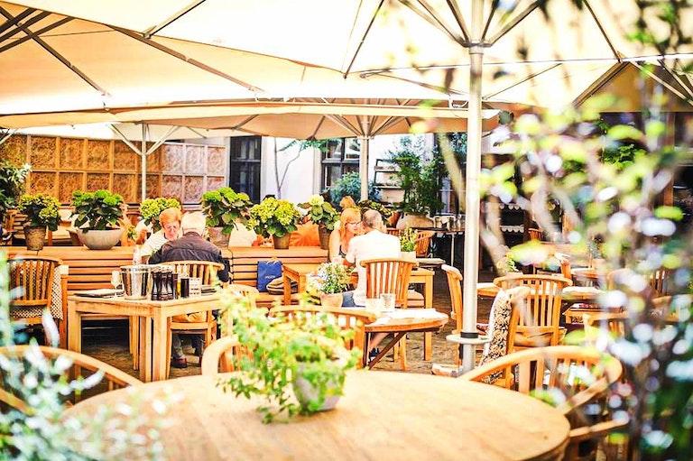 restaurants in austria, landhauskeller