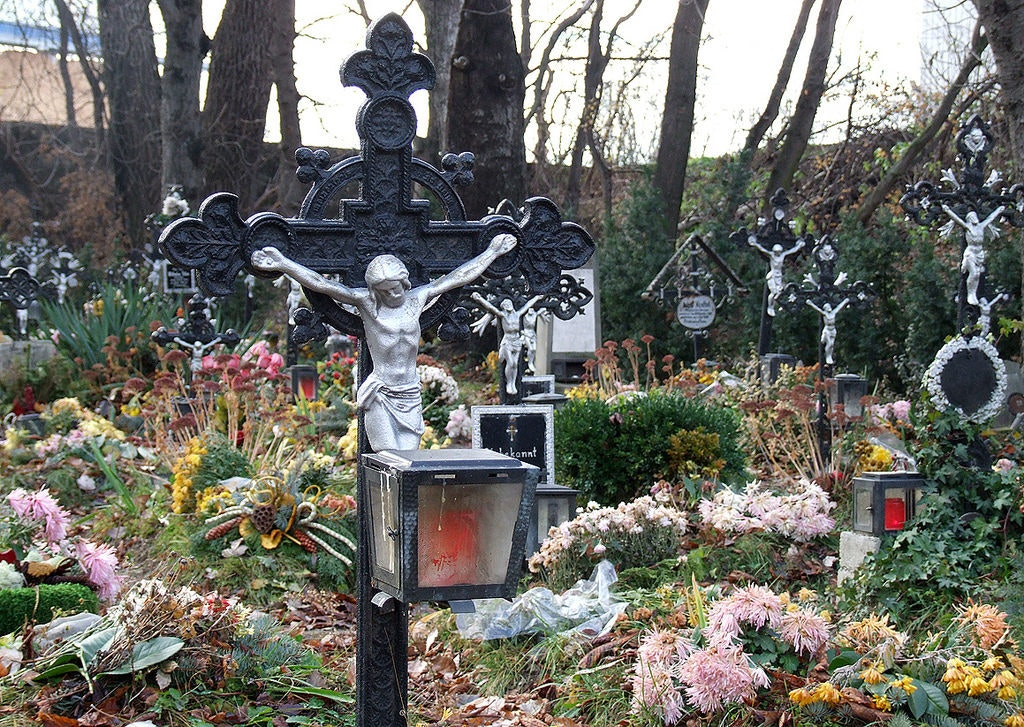 cemetery of the nameless, unusual things to do in austria