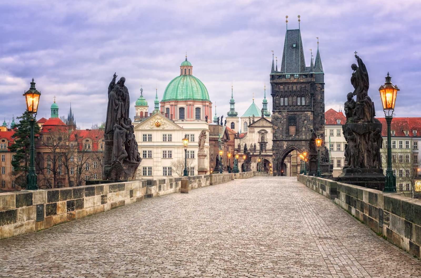 Charles Bridge,things to do in Prague