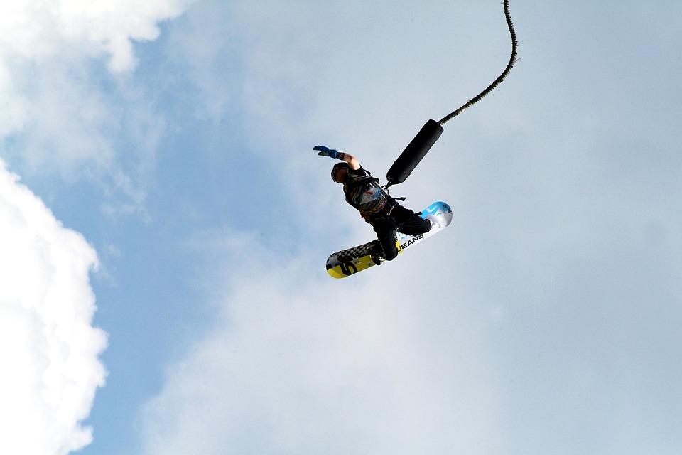 Contra Dam, Top adventurous activities for your Switzerland holidays
