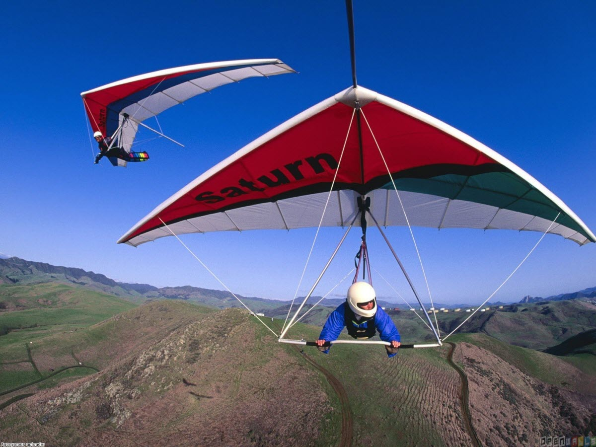 Flying and gliding,best adventurous activities in the UK