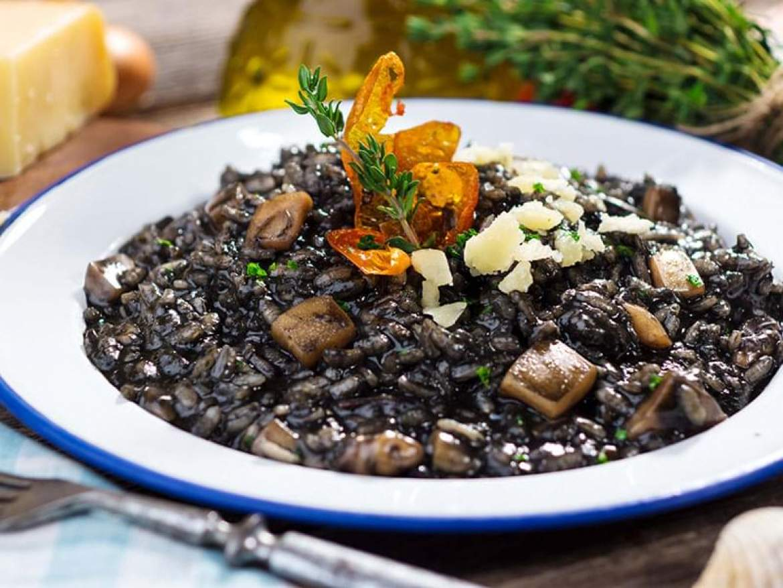 Crni rizot,must eats in Croatia