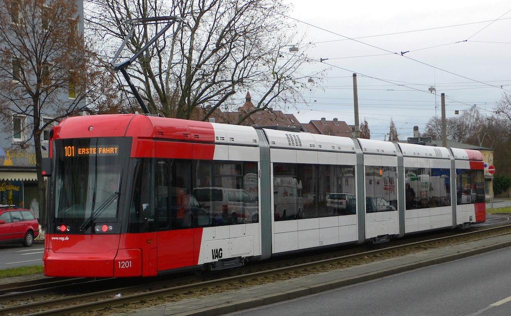 Straßenbahn (Tram)