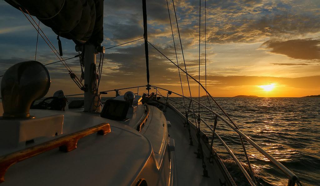 Phi Phi island Honeymoon cruise, Romantic Honeymoon Destinations in Thailand