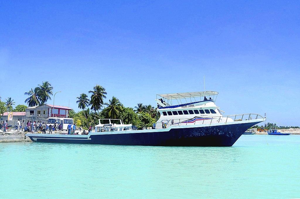 Dhoni cruise, maldives cruise, sailing around maldives