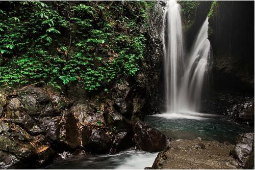 Mesmerising Gitgit waterfalls