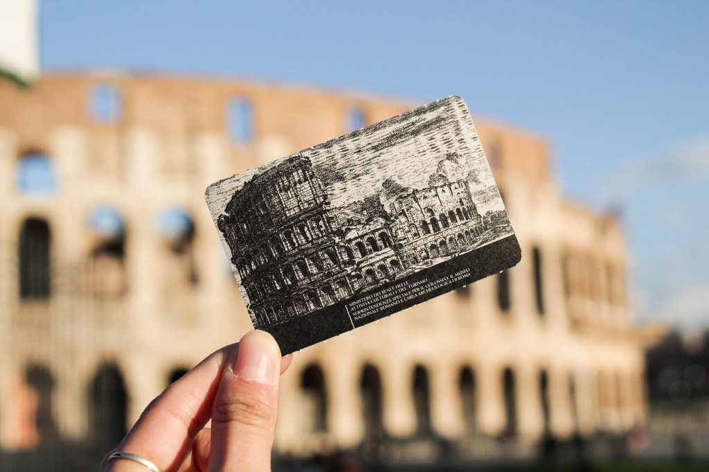 A picture of Colosseum in front of the Colosseum in Europe