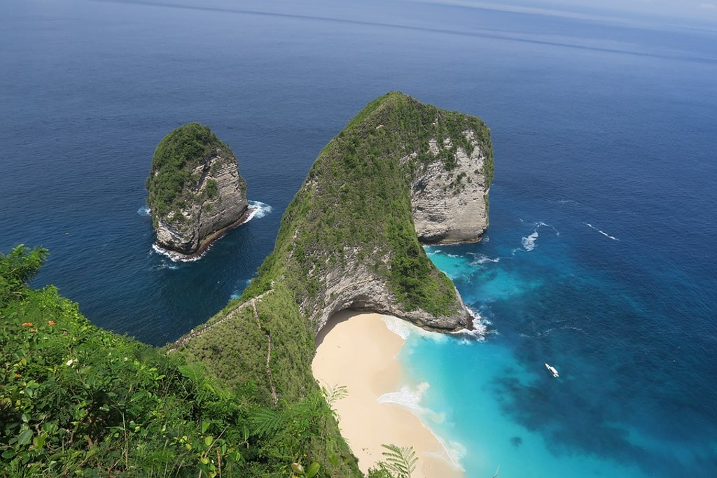 Kelingking Beach Nusa Penida, Things to Do in Bali in October