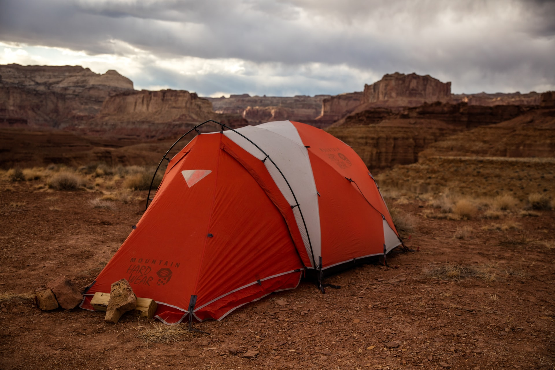 Desert camping in the mountains