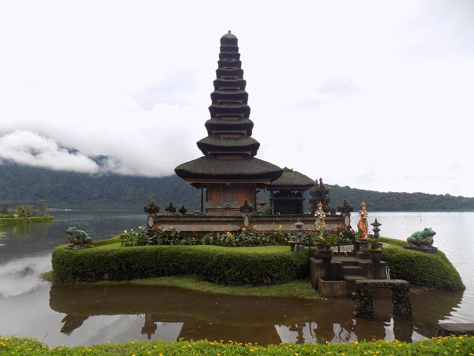 Pura Ulun Danu Bratan Temple, Things to do in Bali in October