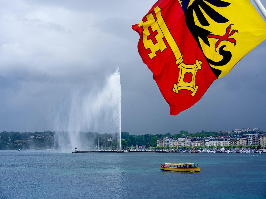 Jet d'Eau fountain in Lake Geneva