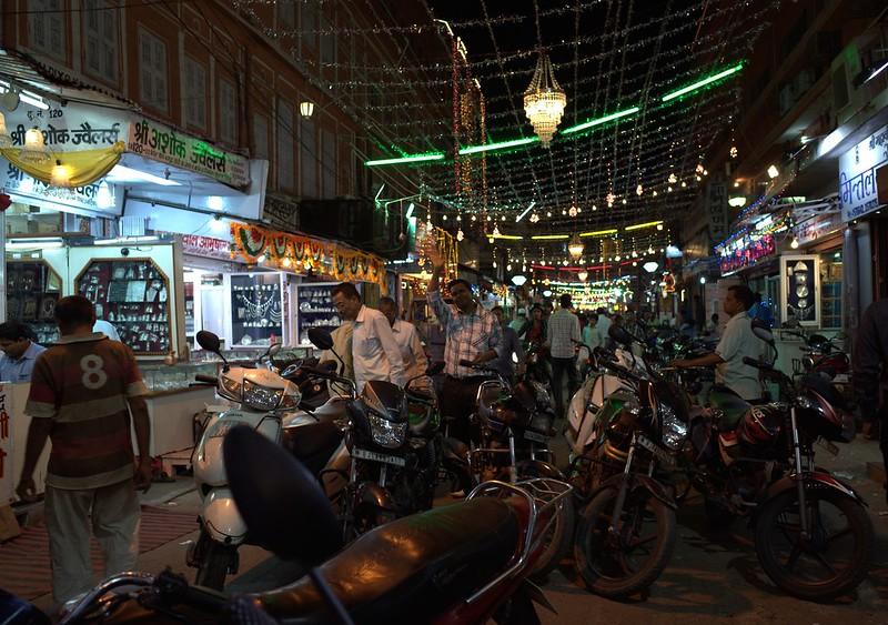 Johari Bazaar in Jaipur, one of the best bazaars