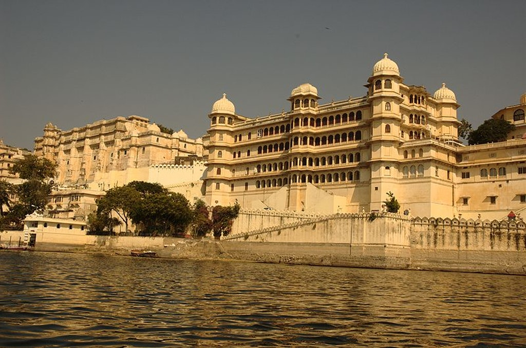 city palace udaipur  in monsoon