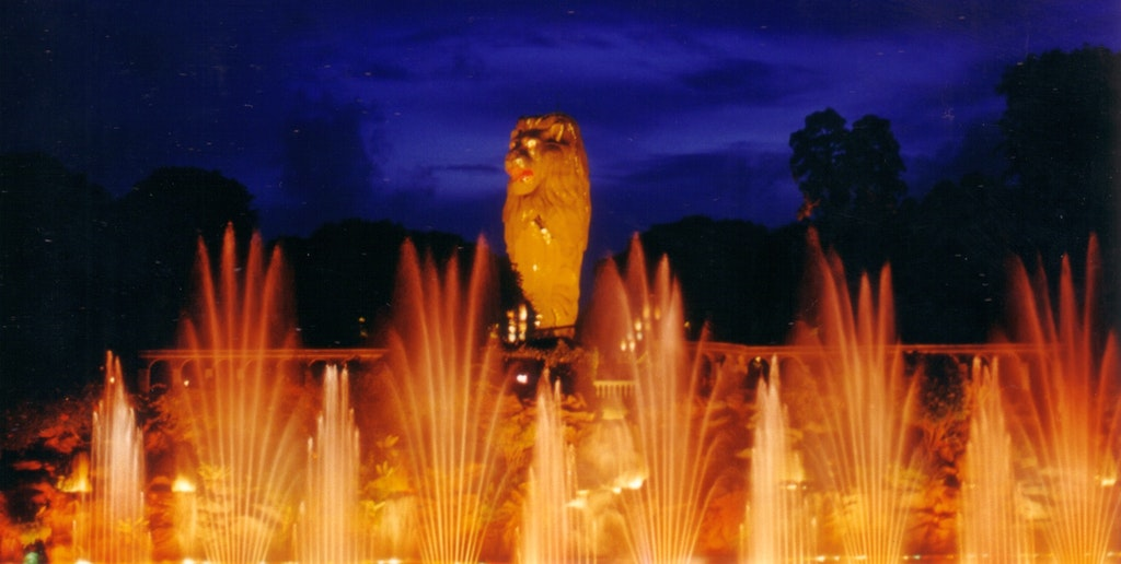a jaw dropping musical fountain show