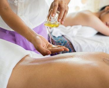Thai massage with essential oil