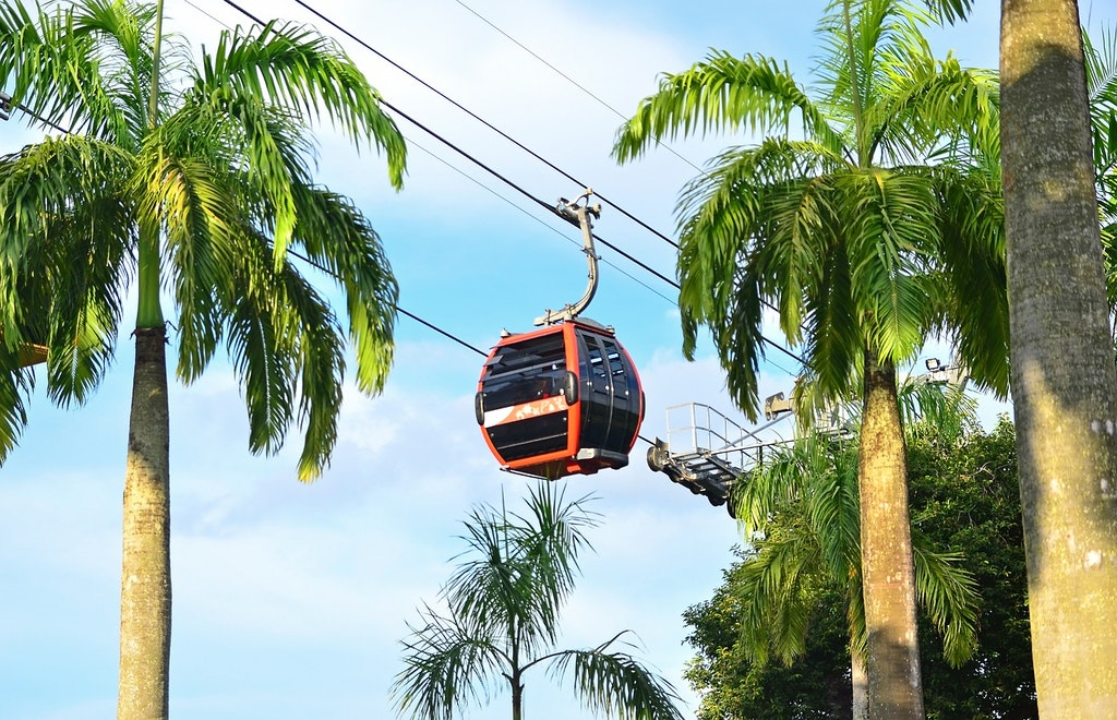 a cable car ride in sentosa