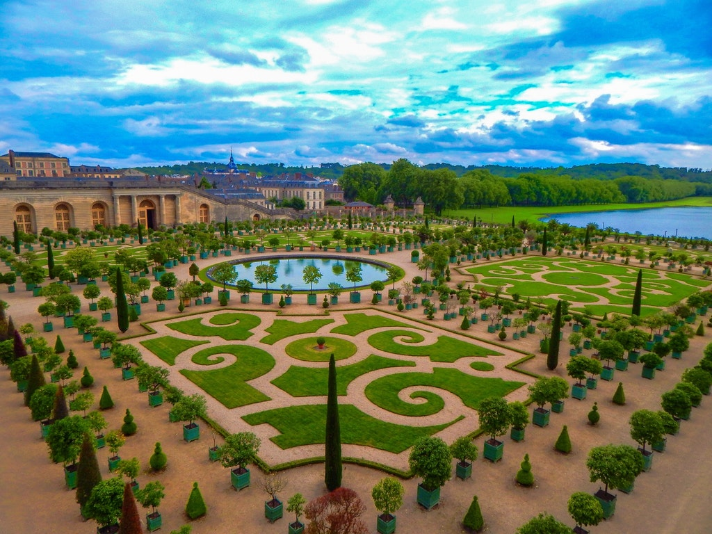 the garden in The Palace of Versailles