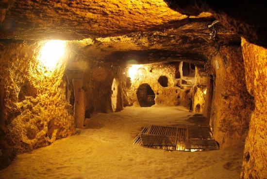 Picture of cu chi tunnels in vietnam