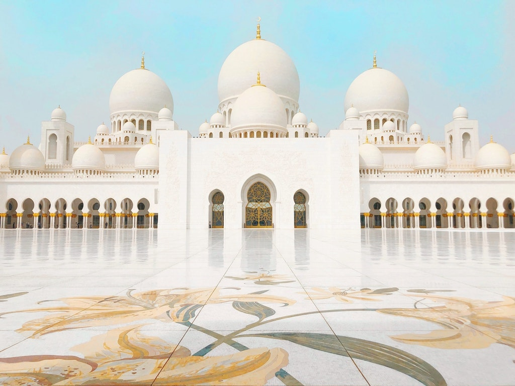 An amazing picture of the Sheikh Zayed Grand Mosque
