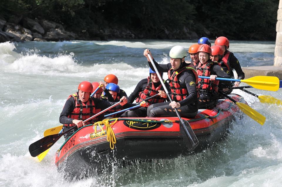Rafting in group