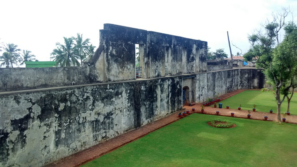 A picture of Anjengo Fort in Varkala Beach