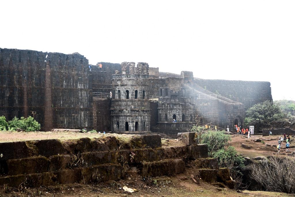 Fort Raigad NEAR MUMBAI FOR 02 DAYS