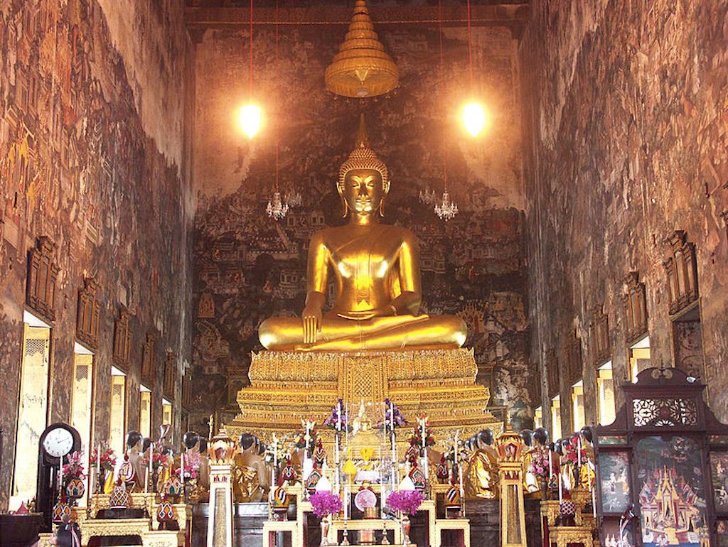 Buddha Statue at Wat Arun