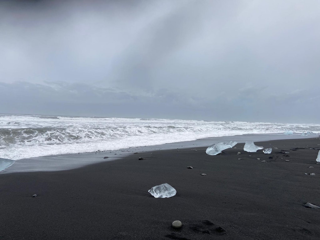 An amazing picture of diamond beach taken in Iceland, Europe