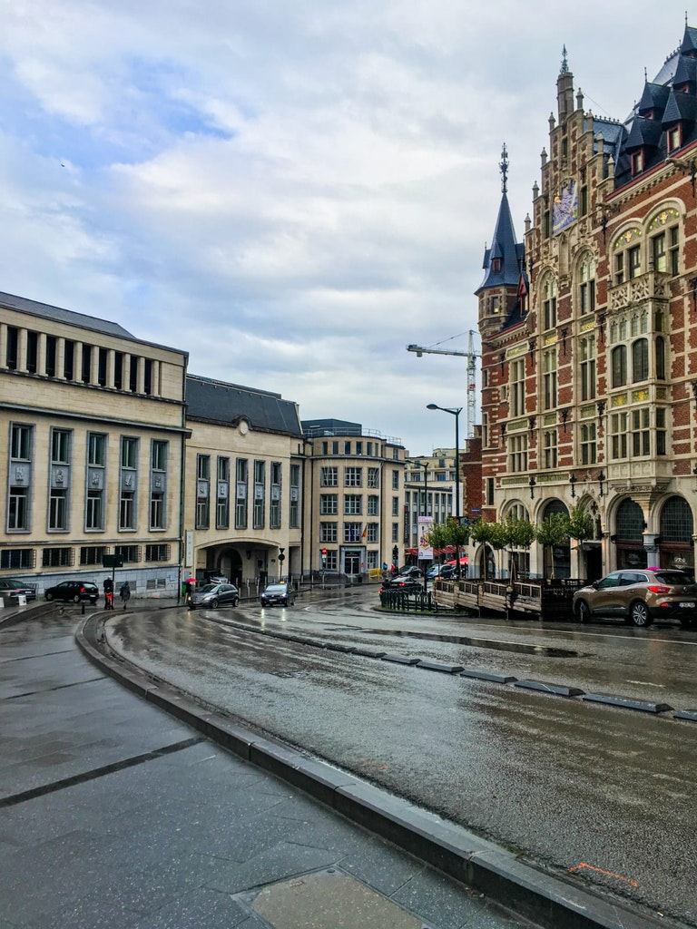 A picture of buildings that was taken in Brussels, on a happy vacation