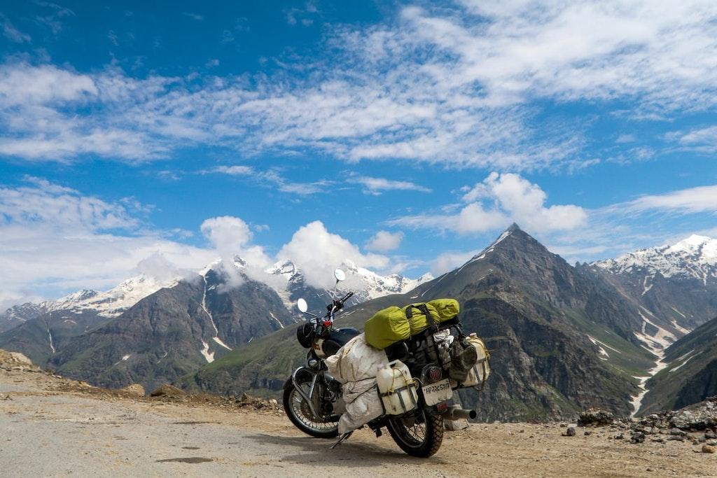 A mountain bike on Rohtang pass