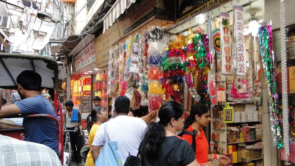 markets in Sarojini nagar