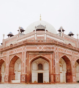 Mughal architecture during one-day itinerary to Delhi