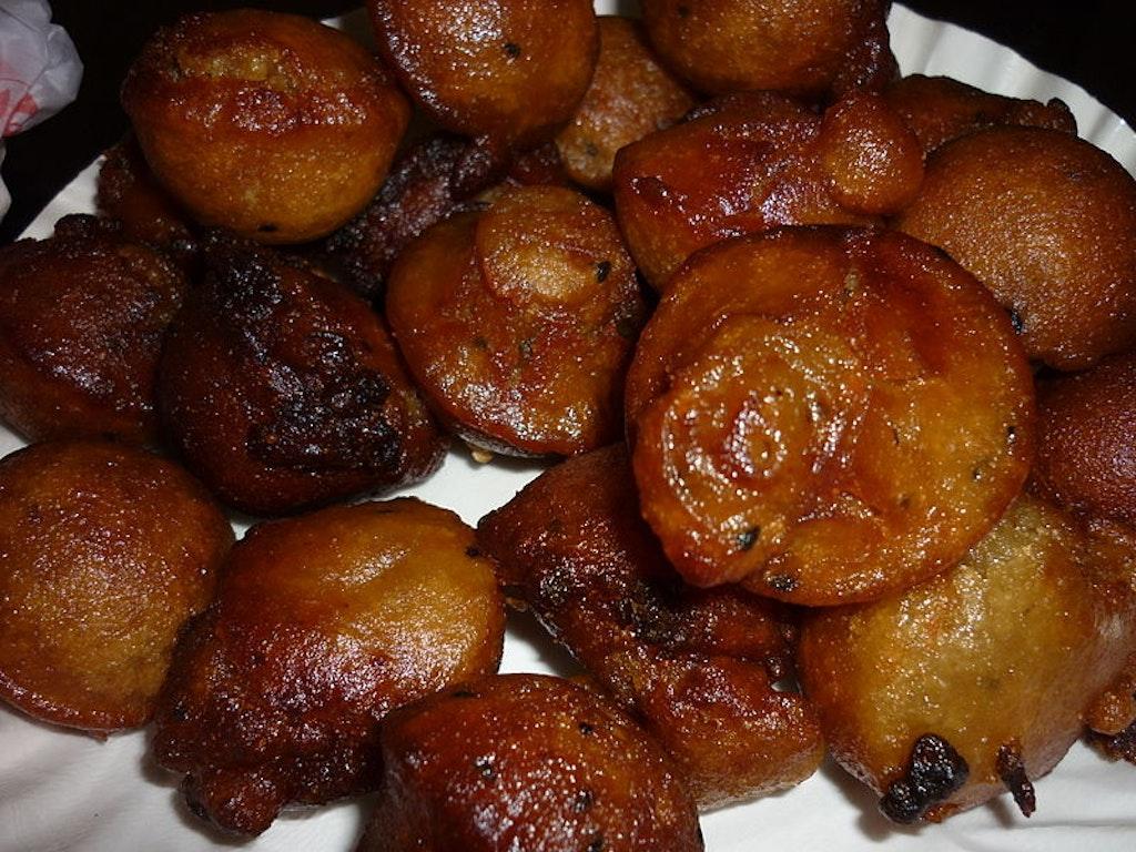 unniyappam on a plate