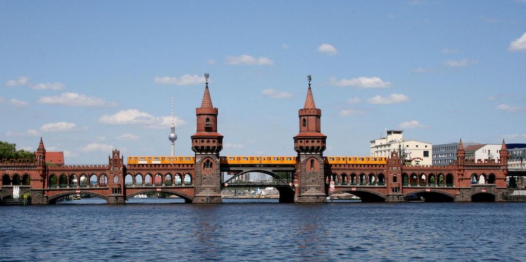 Oberbaumbrücke, Berlin's East side Gallery.