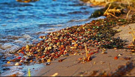 Pebbles in Pasir in Tengkorak Beach