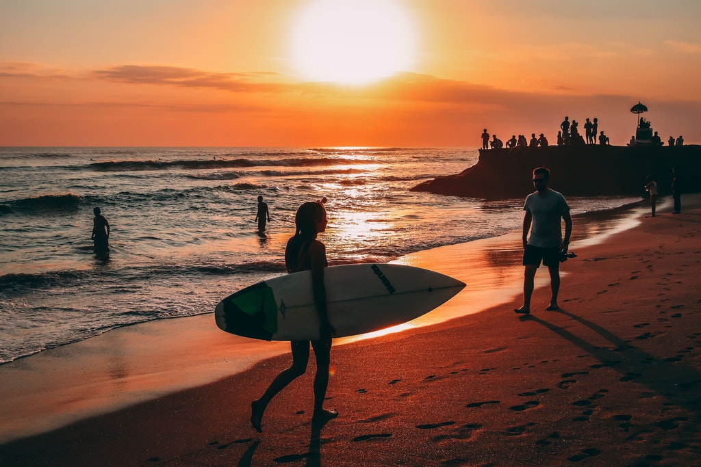 Echo Beach, Places to Watch Sunsets in Bali