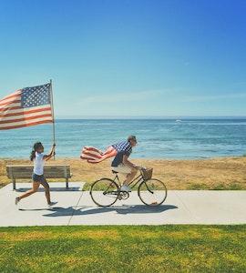 2 kids with the USA flag