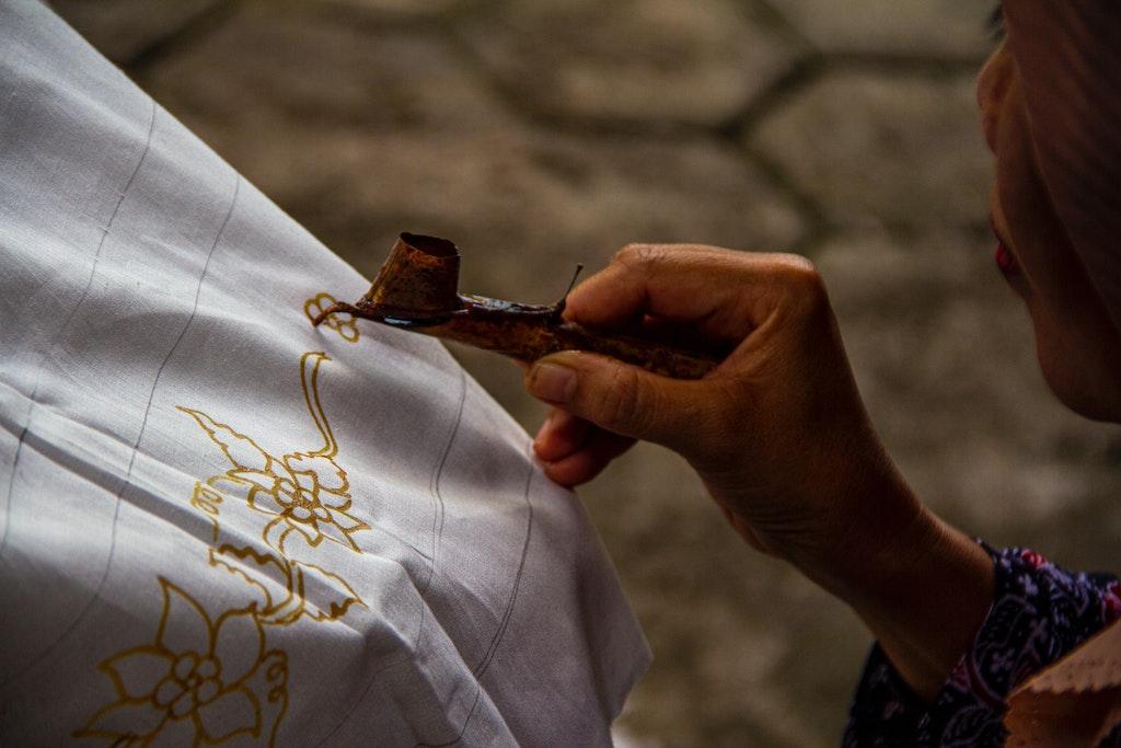 Learn to make Batik