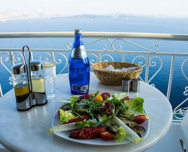 15 Best Cafes in Santorini-Heavenly Tastes