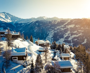 10 Best Reasons to Visit Switzerland once in your lifetime!