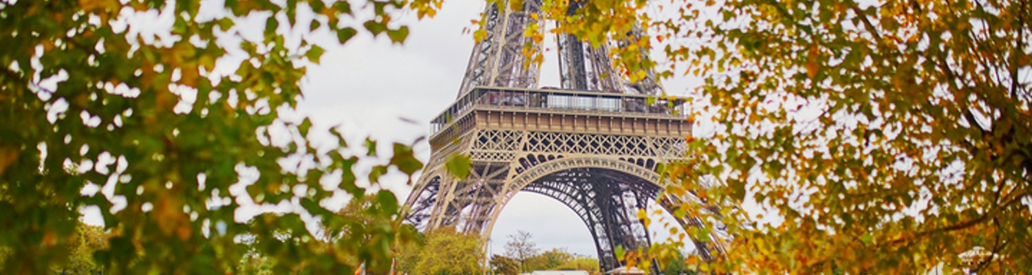 Paris in November – A Handy Guide With Weather, Packing Tips & Places!!